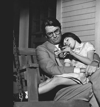 1089 to-kill-a-mockingbird-gregory-peck-atticus-finch-mary-badham-scout-swing_c_leo_fuchs_photography_www.leofuchs.com